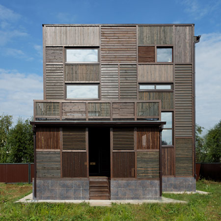 peter-kostelov-wood-patchwork-house_001