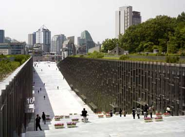 architecture-in-japan-Ewha-Womans-University_011