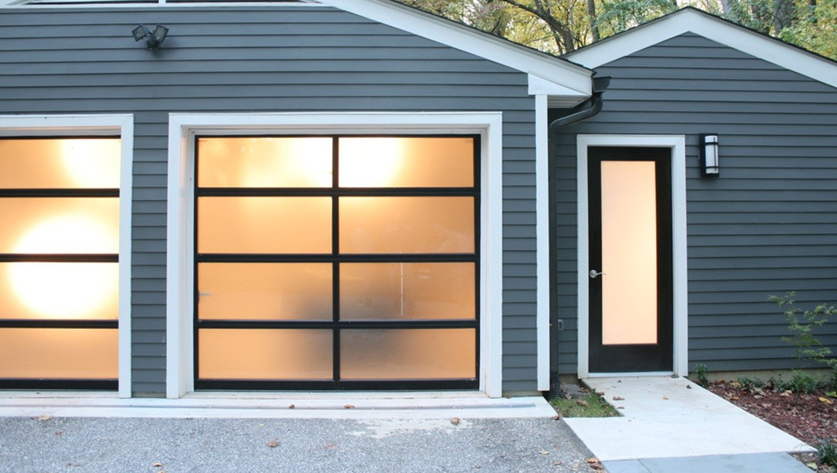 Superbe Using Glass To Enhance The Beauty Of Your Exterior Doors